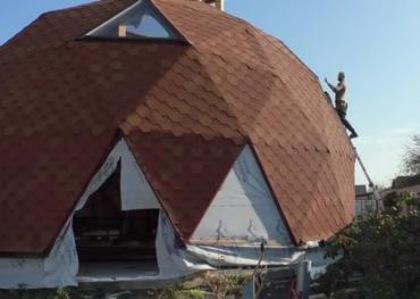 Ужгородец построил первый в городе энергосберегающий круглый дом (ВИДЕО)