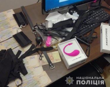 Во Львове разоблачили сеть порностудий: Среди актрис нашли студенток (ФОТО)