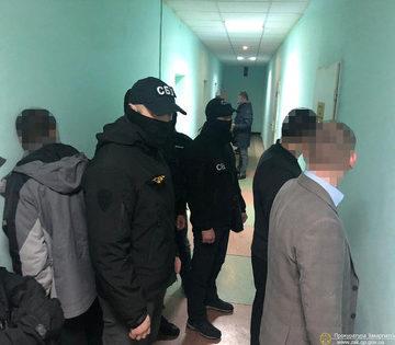 Бес попутал: на Закарпатье разоблачен следователь полиции при получении 300 долларов взятки (ФОТО)